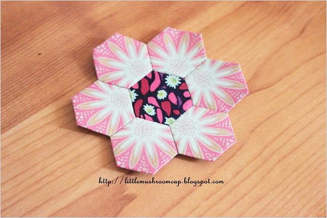 Hexi Flower -Fussy Cut