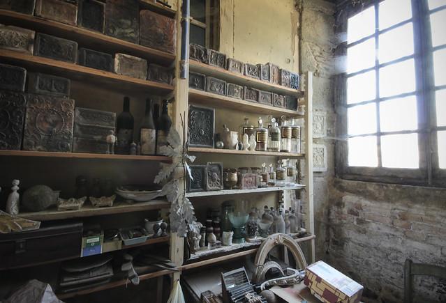 Le Château - storeroom