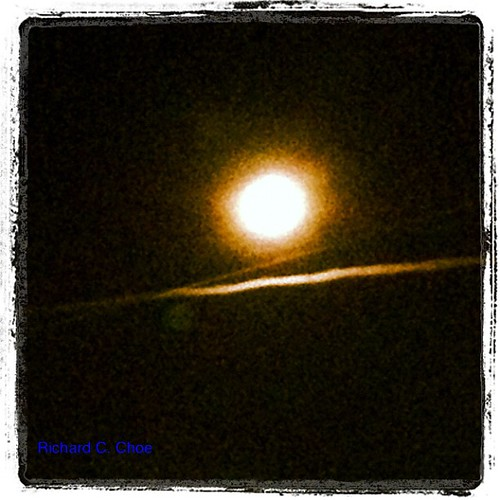 Full Moon, Toronto by rchoephoto