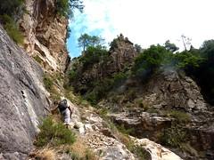 Remontée du Haut-Velacu : fin de contournement en RD de la cascade de 30m