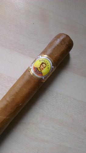 A single Bolívar Coronas Junior