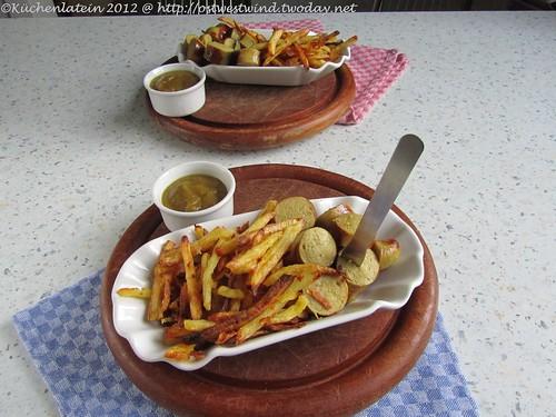 ;Apfel-Currywurst mit hausgemachten Pommes