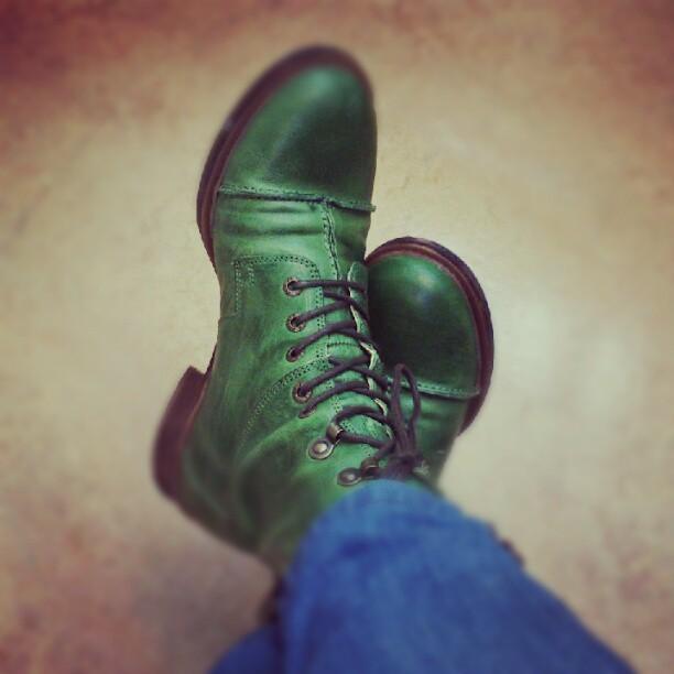 Inviger nya skorna idag.