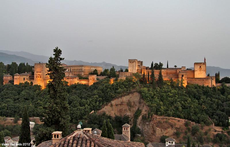 El Mirador de San Nicolás y un paseo por el Albaicín al ...