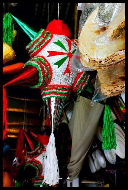 la pinata tradicional mexicana:
