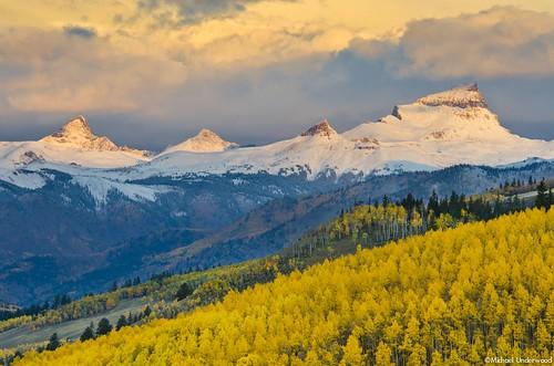 autumn snow fall sunrise landscape colorado peak 14er lakecity uncompahgre wetterhorn slumgullionpass