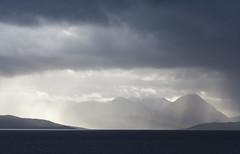 [フリー画像素材] 自然風景, 山, 霧・霞, 薄明光線, 風景 - イギリス, 暗雲 ID:201210070600