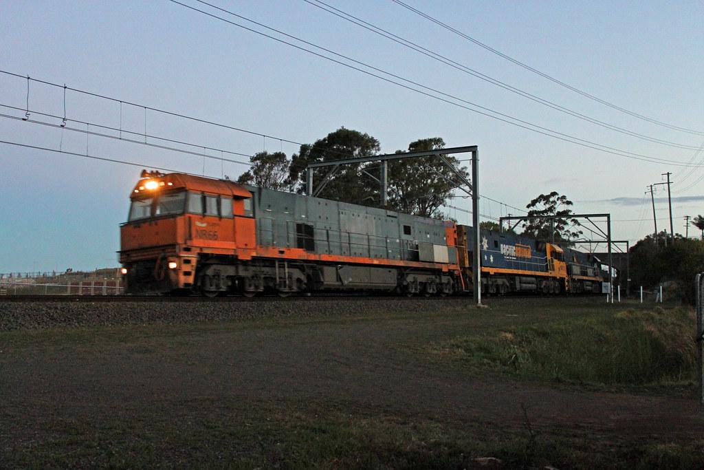 NR66, NR31, NR27 1WB3 Thirroul by Thomas