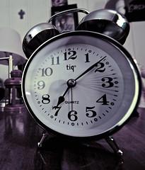 hand(0.0), watch(0.0), decor(1.0), alarm clock(1.0), clock(1.0), black(1.0),