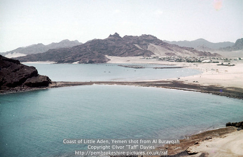 sea landscape scenery 1966 1967 yemen 1960s 1965 aden scannedslide onflickr ghadir gulfofaden arabianpeninsula littleaden adenharbour voigtländervitoc mapped130626 bureikabays alburayqah bandarshaykh