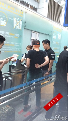 Big Bang - Incheon Airport - 26jun2015 - 3210674885 - 09