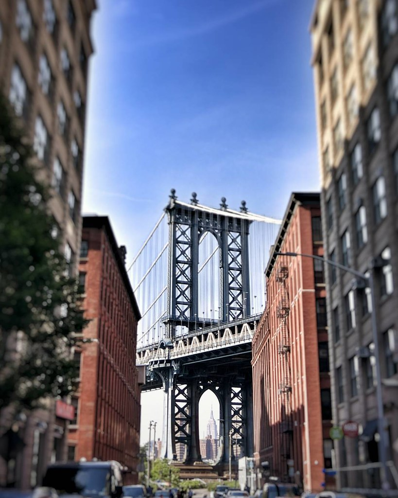 Once upon a Time.. #Newyork #nyc #newyorkcity #manhattan #Photo #Photography #Travel #travelgram #trip #iloveny #ilovenyc #newyorkphoto #instacool #instanewyork #mynyc #bigapple #thebigapple #bridge #manhattanbridge #sergioleone #view #colorful #igers #na