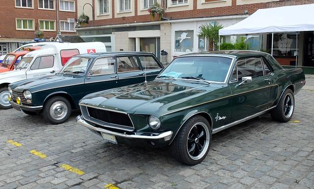 FORD Mustang (1968) et PEUGEOT 204 Break  (paire verte)