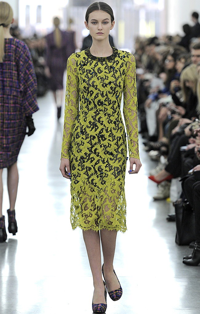 3 Erdem_AW12_Catwalk_Look11_Photographer_First_View.jpg