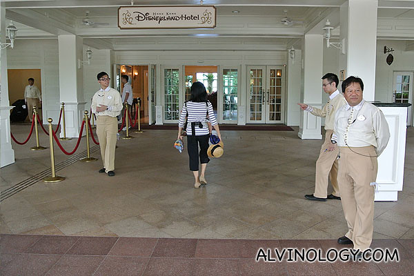 Entrance to Disneyland Hotel