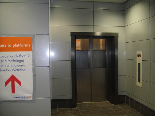 The new lift to Platform 3