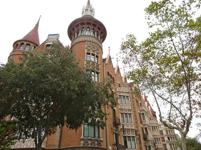 Modernisme in Barcelona, signed Cadaflach