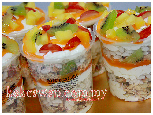 Tutty Fruity Cream Dessert - Fast sale on 10 Mei 2012