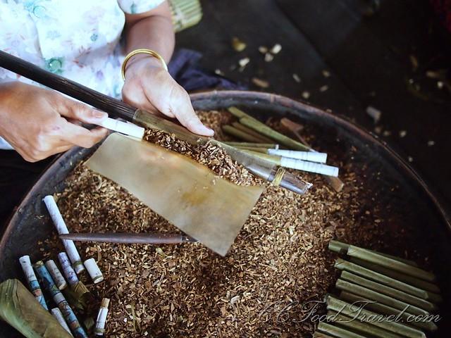 Making a Burmese cigar