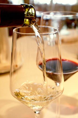"Makena Resort's ""Food & Wine Education Series Event - Poke & Sauvignon Blanc"" courtesy of Makena Beach Resort's"