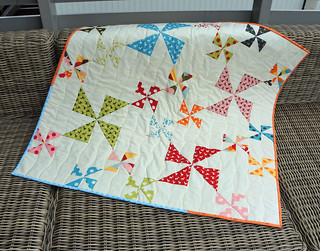 Windy_Days_Quilt_On_Couch