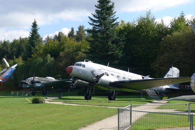 DC-3 und Heinkel He 111