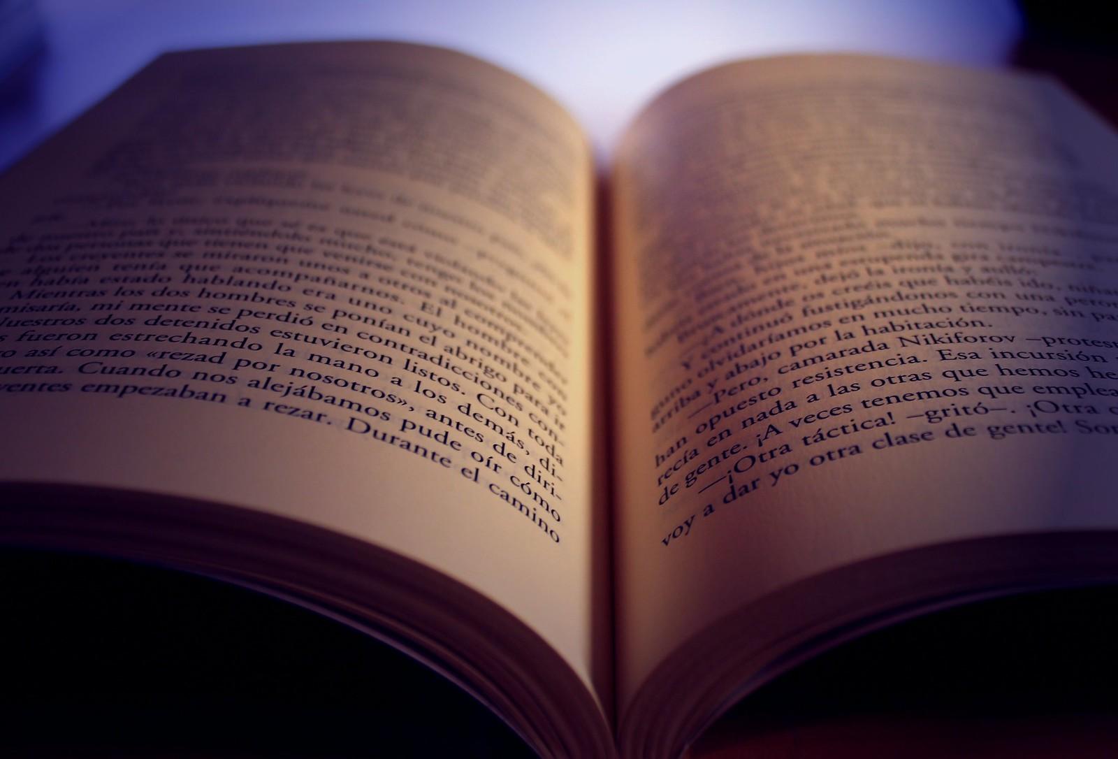 Foto De Un Libro Abierto