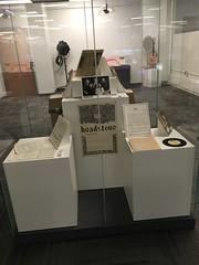 White Gallery Pedestal