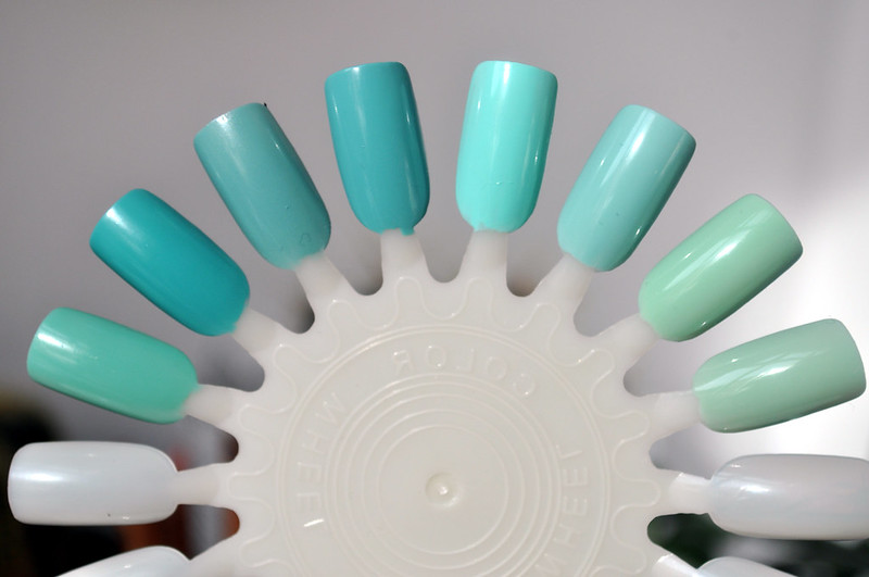mint green nail polish 4