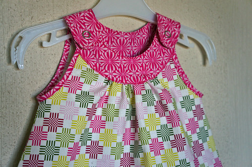 Snappy toddler top detail