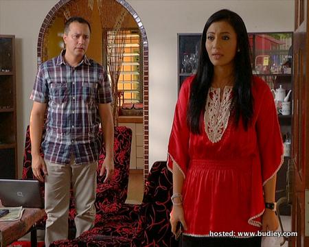 konflik ... watak Eizlan Yusof dan Marissa Yasmin