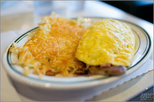 Omelette and Hash Browns @ Mel's Drive-in