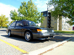 automobile, automotive exterior, wheel, vehicle, saab automobile, compact car, sedan, land vehicle, saab 900, luxury vehicle, sports car,