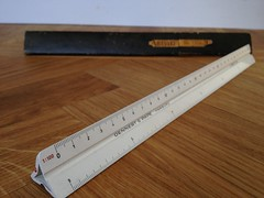 tool(0.0), blade(0.0), utility knife(0.0), ruler(1.0), wood(1.0), measuring instrument(1.0),