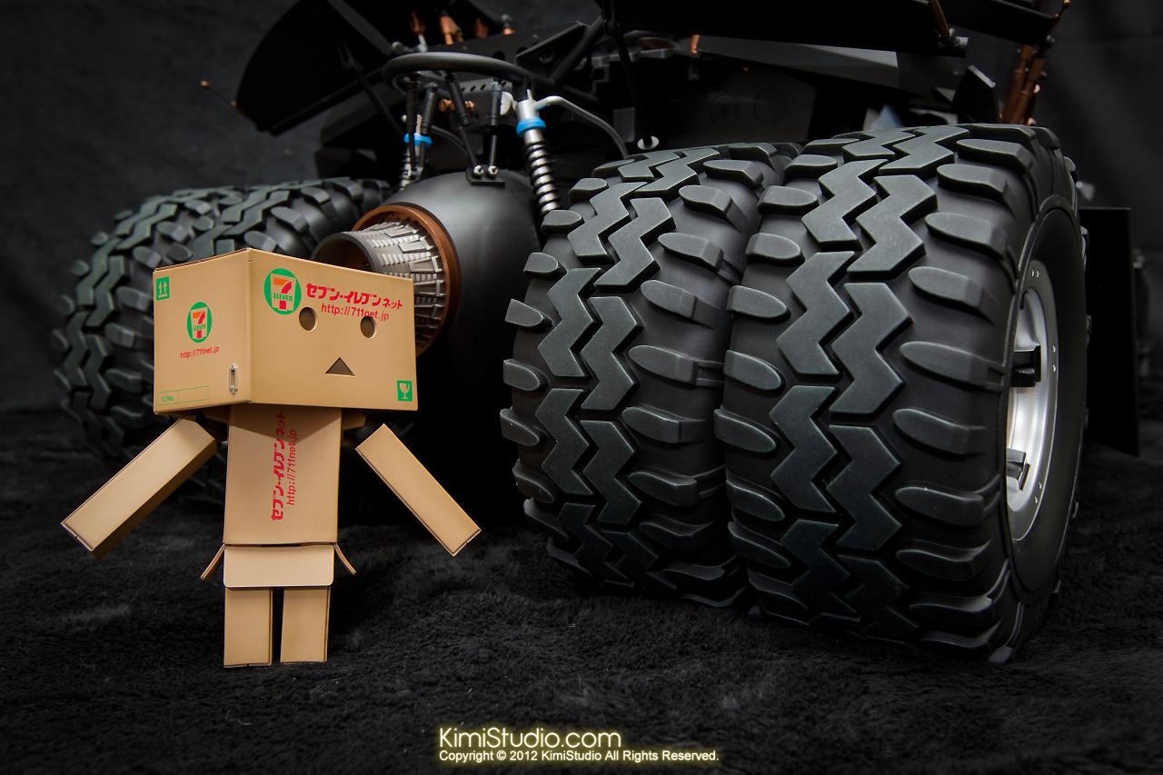 2012.09.22 MMS69 Hot Toys Batmobile-029