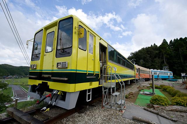 いすみ鉄道いすみ204 北陸鉄道モハ3752 銚子電鉄デハ702 - いすみポッポの丘保存車