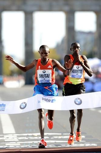 Mutai gana el Maraton BMW de Berlín 2012