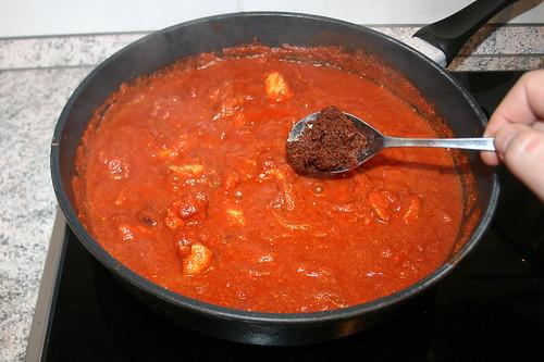 28 - Gewürzpaste hinzufügen / Add curry paste