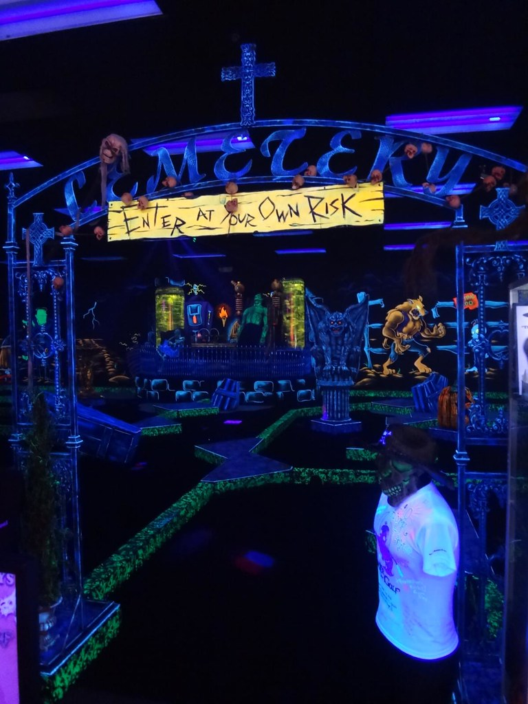 Monster Minigolf
