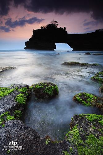 longexposure sunset bali indonesia rocks boulders tanahlot mose tanahlotbali batubolong alitrisnopranoto