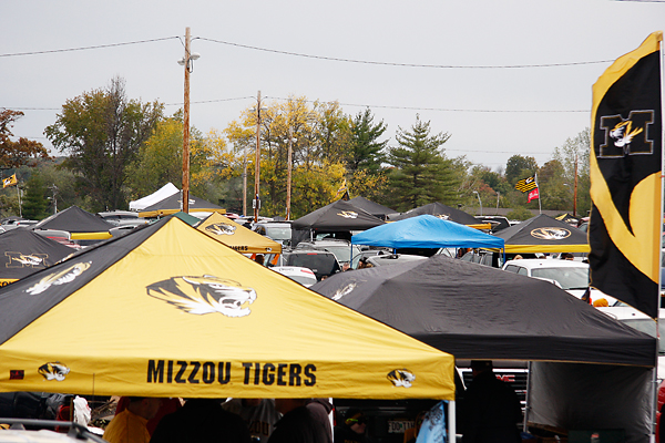 Tailgate tents rise above Lot X before the Vanderbilt game Saturday afternoon. (Photo Alli Inglebright/Missourian) : mizzou tent - memphite.com