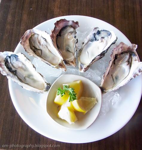fresh oysters R0019050 copy