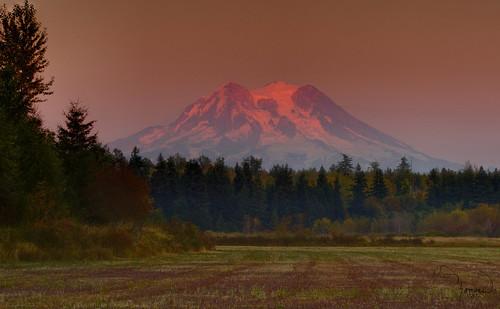sunset mountains nature canon landscape farm rainier washingtonstate mtrainier t4i matthewreichel
