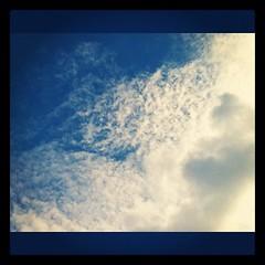 【写真】空は秋めいて来たのに、まだまだ暑い(-。-; #空 #雲 #sky #cloud  #カコソラ