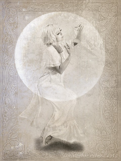 Moon Worship ~ Miss Stephanie Lee