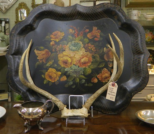 19th century tole tray via homeologymodernvintage.com
