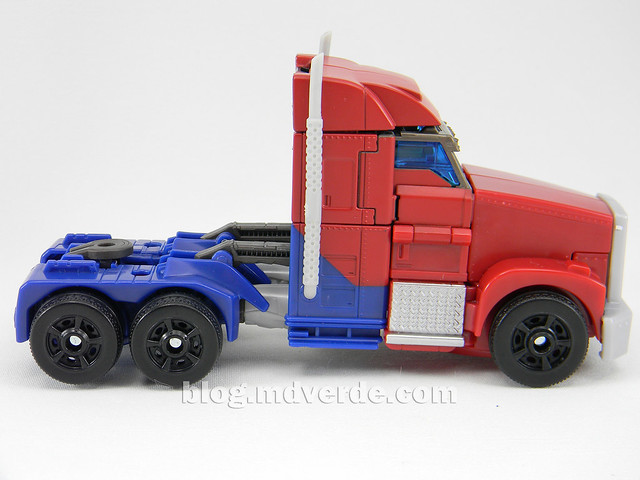 Transformers Optimus Prime Voyager - Prime First Edition - modo alterno