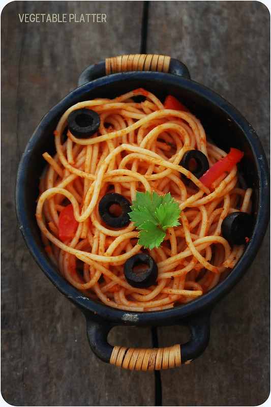 Spaghetti in a simple Tomato Sauce with Red Peppers & Olives