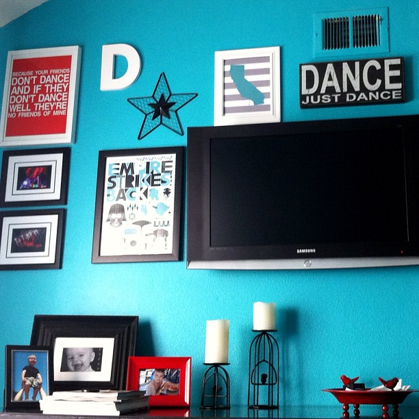 "Love the ""Dance, Just Dance"" typeography art that @caseyruns picked up for me @Homegoods. Perfect for my bedroom gallery."
