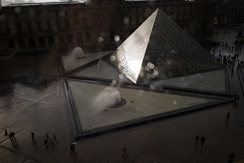 louvre pyramid, paris [L1006083]